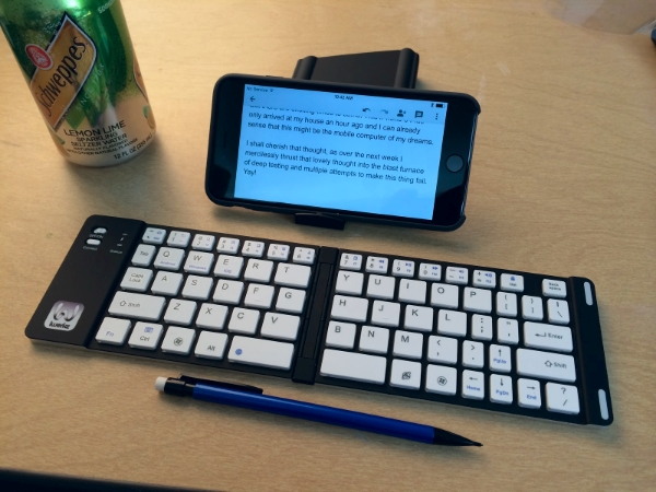 Physical Keyboards For The IPhone 6 Plus