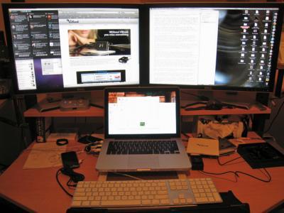 Triple-monitor-setup