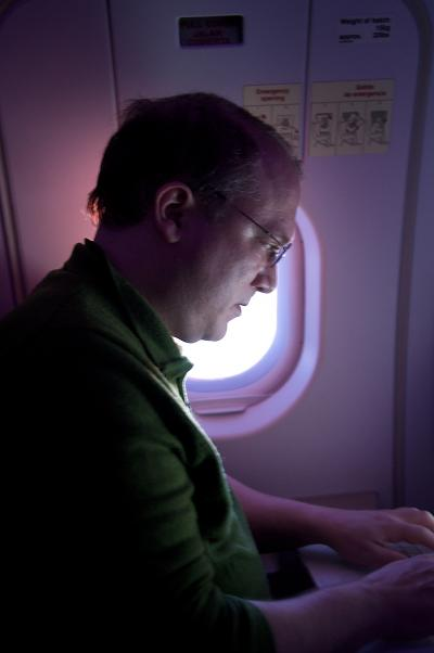 Sunrise_and_Email_on_the_Plane
