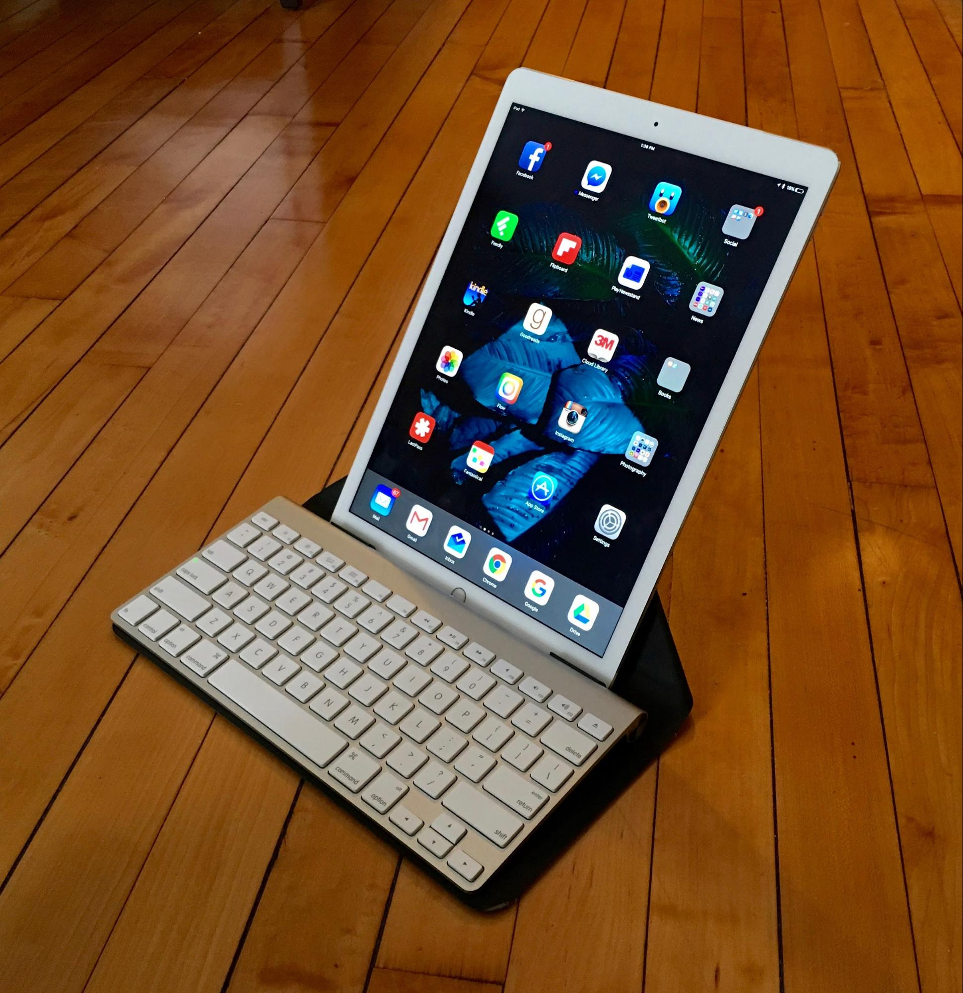 Three Alternatives to the iPad Pro's Smart Keyboard - TidBITS
