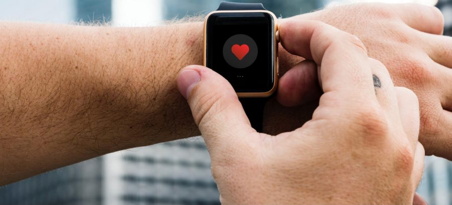 A heart icon on an Apple Watch.
