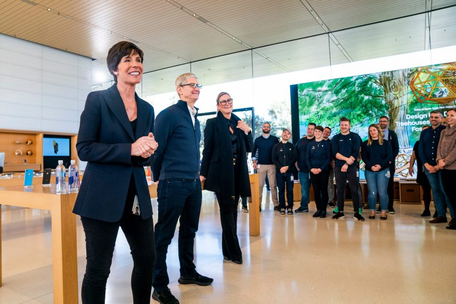 Deirdre O'Brien, Tim Cook, and Angela Ahrendts