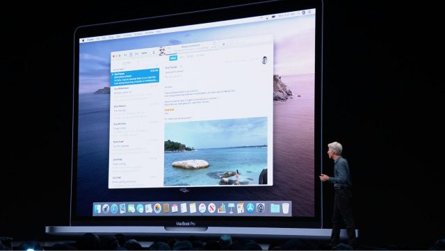 Craig Federighi jokingly announcing mail in iTunes