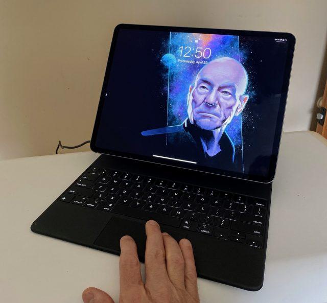 Magic Keyboard backlighting